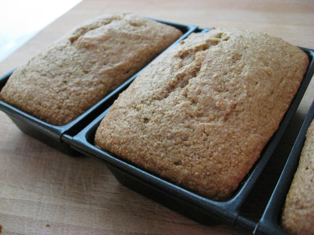 Applesauce Bread - New Nostalgia