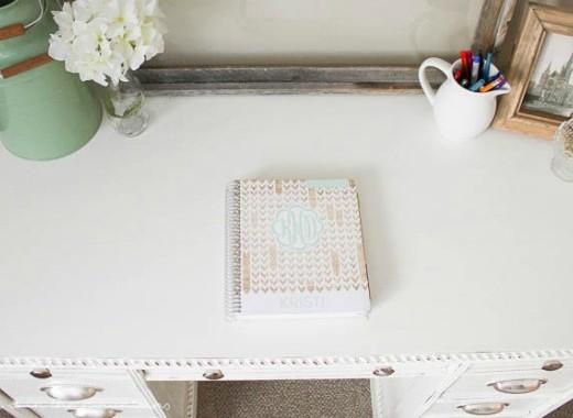 10-Minute-Organized-Desk-3