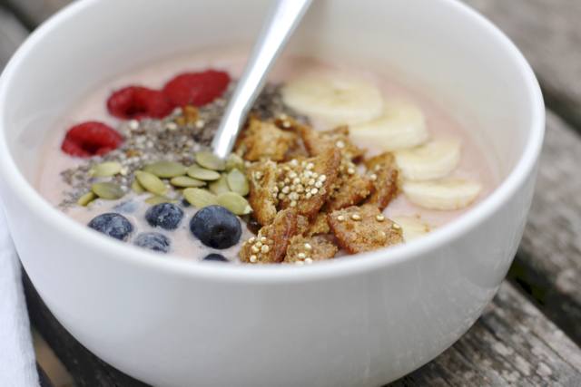 smoothie-breakfast-bowl-2