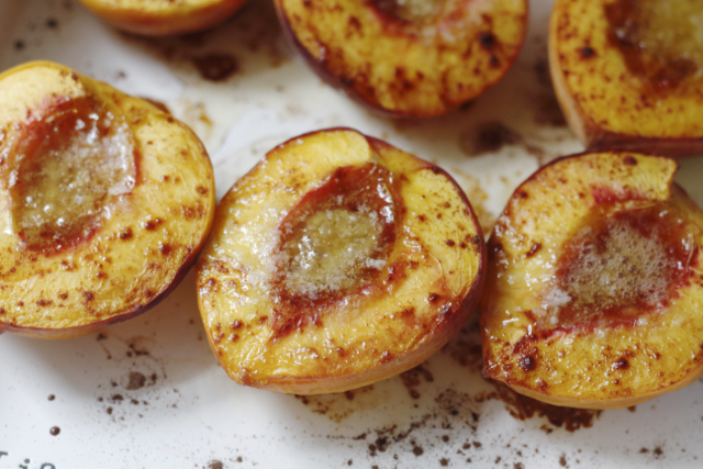 Brown Sugar Cinnamon Baked Peaches